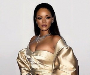 rihanna, style, and gold image