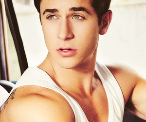 david henrie, boy, and Hot image