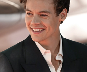 Harry Styles, dunkirk, and smile image