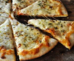 food, we heart it, and pizza image