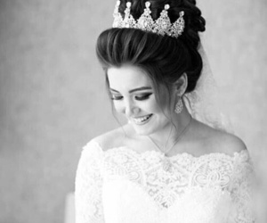 bride and tiara image