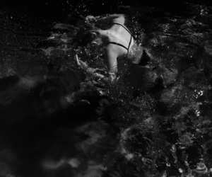 aesthetic, black, and swimming image