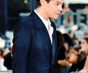 Harry Styles, dunkirk, and premiere image