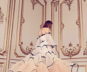 Alexis Mabille and crfashionbook image