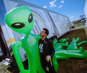 alien, banana, and dubstep image