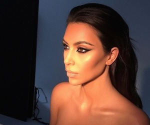 rich, bronzer, and make up image