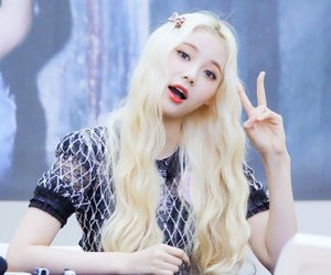 jinsoul, loona, and kpop image