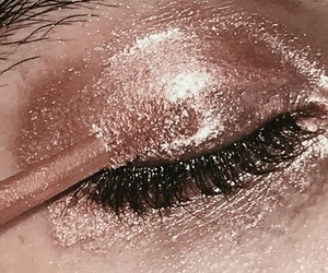 makeup, rose gold, and beauty image