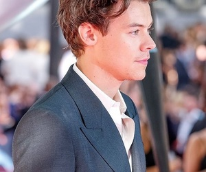 Harry Styles, boy, and dunkirk image
