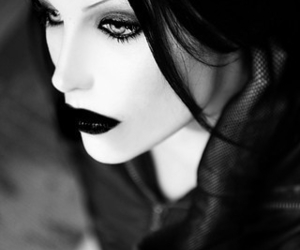 black and white, black, and gothic image
