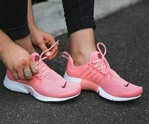 on We Heart It Sparker i 2019Nike gratis sko, uformell Sparker i 2019 Nike free shoes, Casual