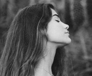 black and white, fashion, and girl image