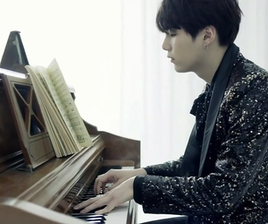 aesthetic, black, and piano image