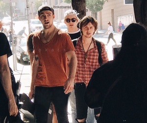 babes, hotties, and ratliff image