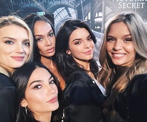 model, kendall jenner, and joan smalls image