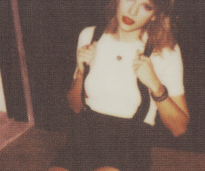 background, polaroids, and Taylor Swift image