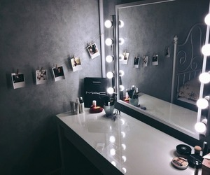 girl, room, and makeup image