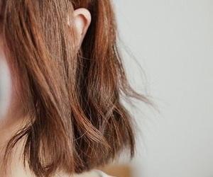 hair, short hair, and brown hair image