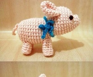 amigurumi, crochet, and cerdito image