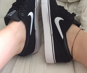 nike, sb, and shoes image