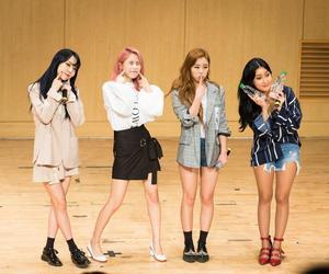 girls, idols, and korean image