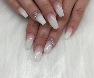 nails and pure image
