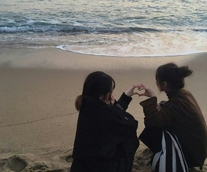 girl, ulzzang, and friends image