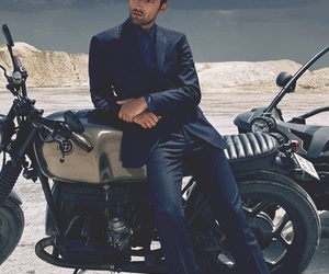 Sean O'Pry and model image