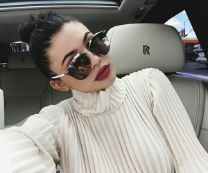 beauty, red lips, and jenner image