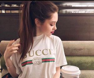 girl and gucci image