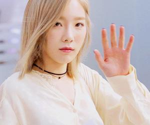idol, taeyeon, and kimtaeyeon image