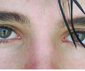 his eyes image
