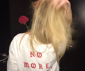 girl, grunge, and rose image