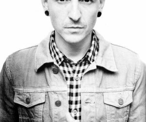 linkin park, chester bennington, and black and white image