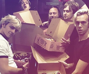 babes, riker lynch, and rydel lynch image