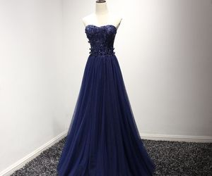 evening dress, sweetheart, and formal dresses image
