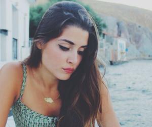 hande erçel, بنات الشمس, and الحب لا يفهم الكلام image