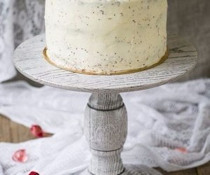 how to bake a cake, how to cook a cake, and that tasty bake image