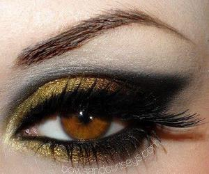 make up and gold image