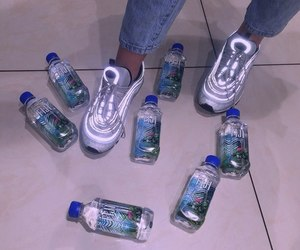 fiji and water image