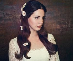 lana del rey, flowers, and Queen image