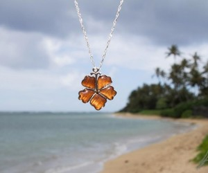 nacklaces, women necklaces, and hawaiian necklaces image