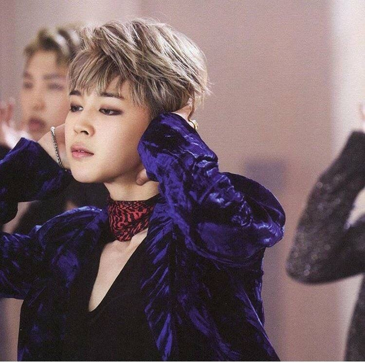 Love This Jimin Blood Sweat And Tears Pose On We Heart It