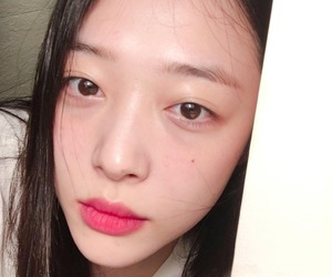 sulli and girl image