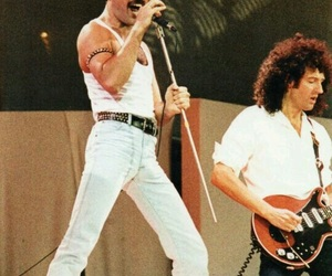 Queen and live aid image