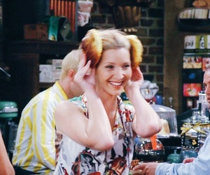 Lisa Kudrow, phoebe buffay, and friends image