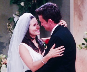 chandler bing, Courteney Cox, and Matthew Perry image