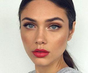 beauty and vika bronova image