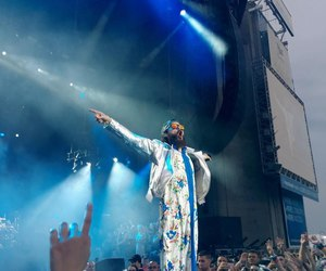 30 seconds to mars, jared leto, and on stage image
