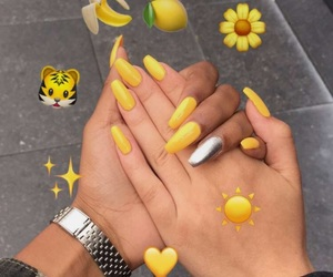 nails and yellow image
